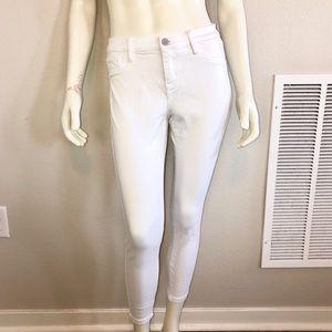 NY&Co Soho Skinny White Crop Jeans • Size 6